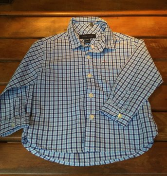 camisa xadrez azul e branca tommy