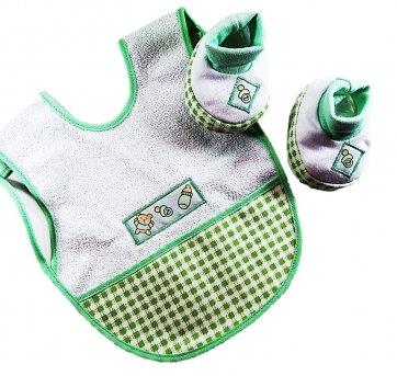 Babador De Vestir E Sapatinhos Branco Verde Bia Baby 148