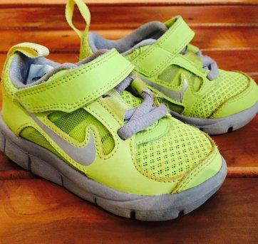 tênis verde limão nike