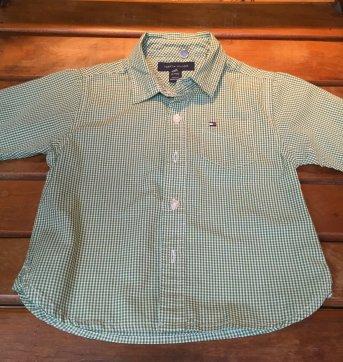 camisa xadrez branca e verde tommy