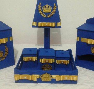 Kit de higiene para bebês- MDF, com fitas e coroas. 7 PEÇAS ! !